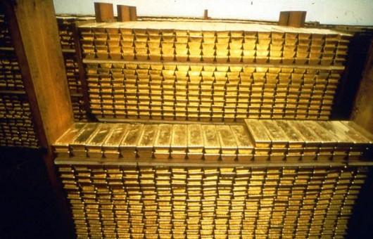 Кто скупает золото