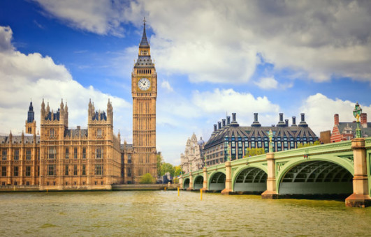 Великобритания: безработица падает, пенсии растут