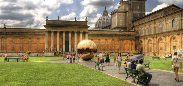 В Ватикане нашли «лишние» сотни миллионов евро