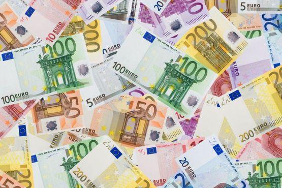 Барселона, деньги