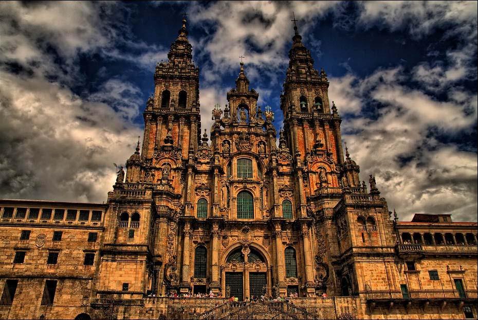 Испания, Католическая церковь, епископ