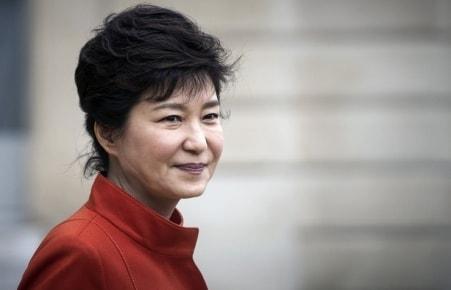 скандал, Южная Корея, подать в отставку, президент Пак Кын Хе, оппозиция, государственные дела