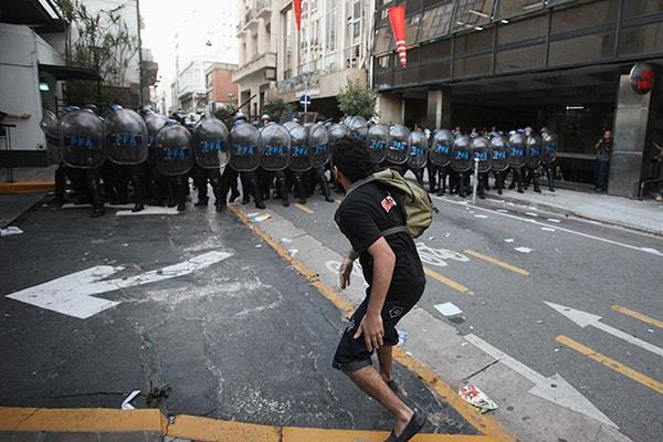 протесты в Аргентине, экономическая политика