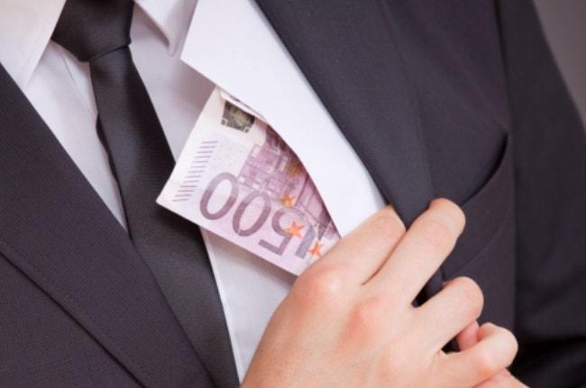 фиктивные компании, уклонение от уплаты налогов