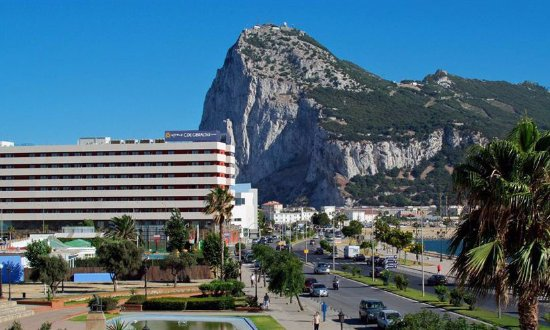 Гибралтар, Кампо, граница
