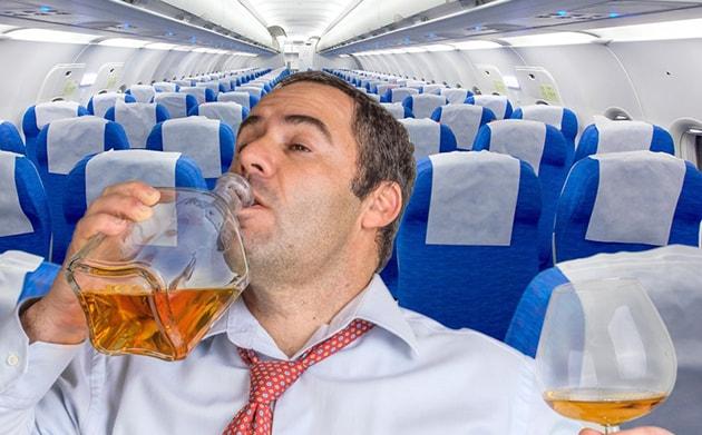 Великобритания, пьяный пассажир, аэропорт, самолет, авиакомпания