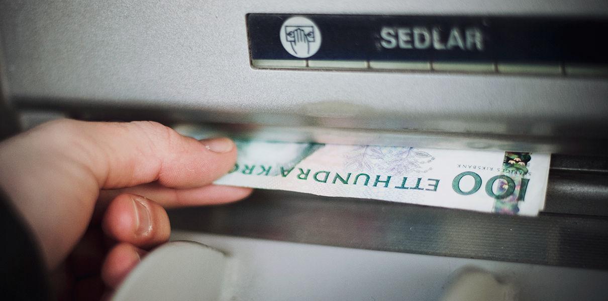 монеты и банкноты, шведский стартап, наличные