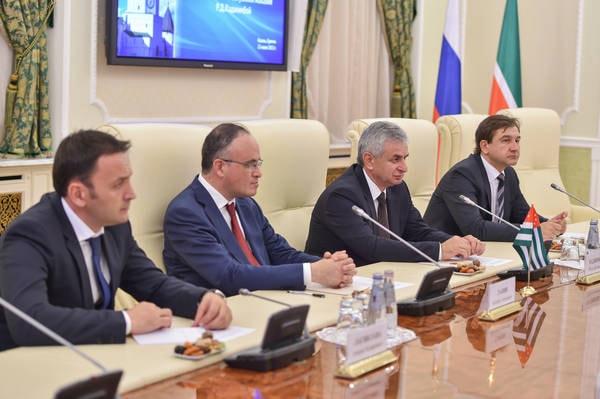 министр экономики, Абхазия, Татарстан