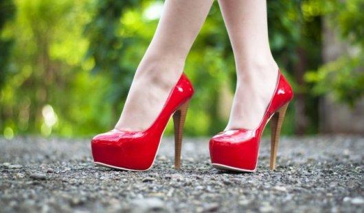 Канада, законопроект, высокие каблуки, запрет, безопасная обувь