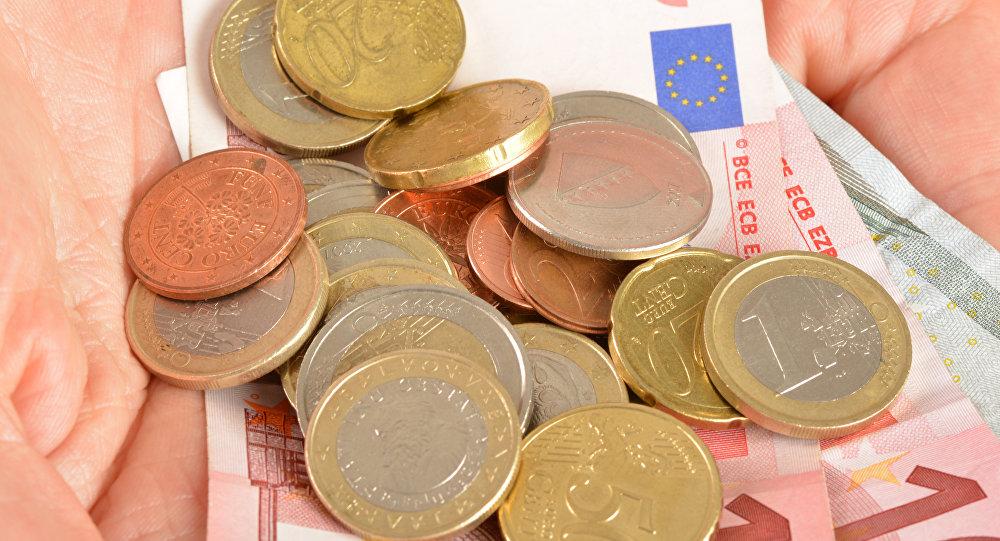 жители европейских стран, расходы, деньги