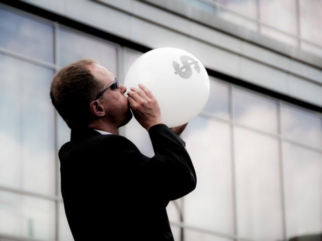 финансовый пузырь, футбол