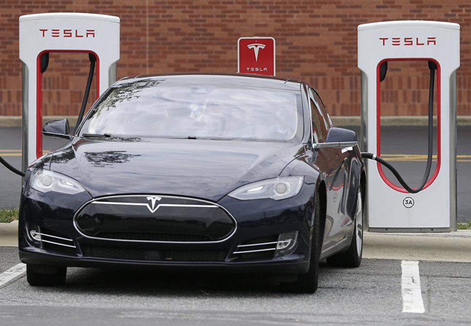 Tesla, беспилотный, кредитный рейтинг