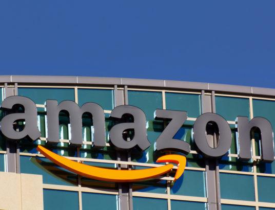 Amazon, забастовка, работники, логистический центр, Испания