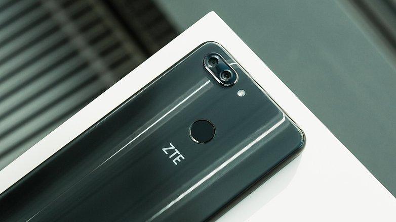 ZTE, американские санкции, производитель смартфонов
