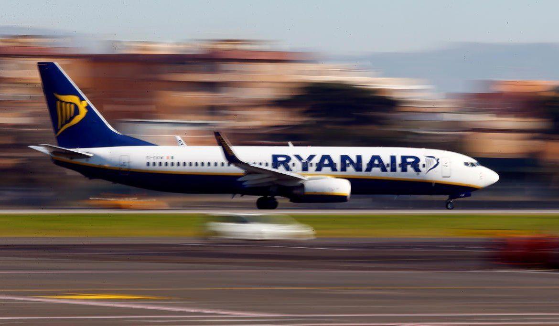 Ryanair, лоукост авиаперевозчик, сезон отпусков, продажа алкоголя, аэропорт