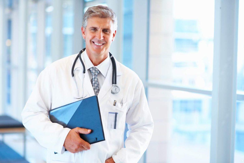 Национальная служба здравоохранения, врачи