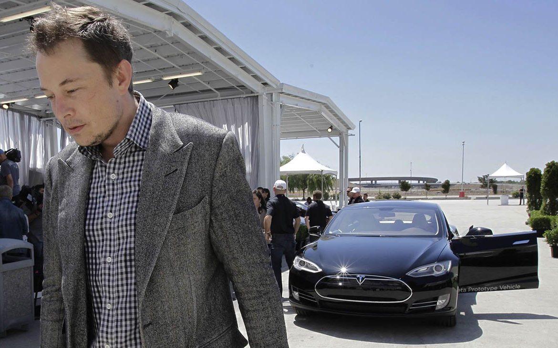 Tesla, Маск