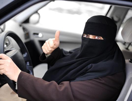 женщины-водители, автомобили, права, за рулем, Саудовская Аравия
