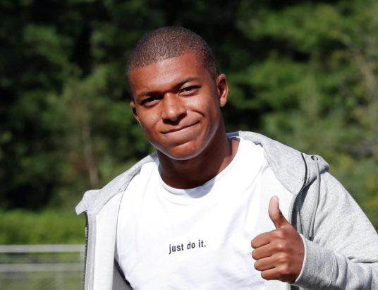 Килиан Мбаппе Лоттен, Мбаппе скорость, чемпионат мира, молодой футболист, быстрый футболист
