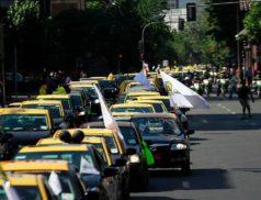 такси Испания, забастовка таксистов, лицензия такси, приложение uber