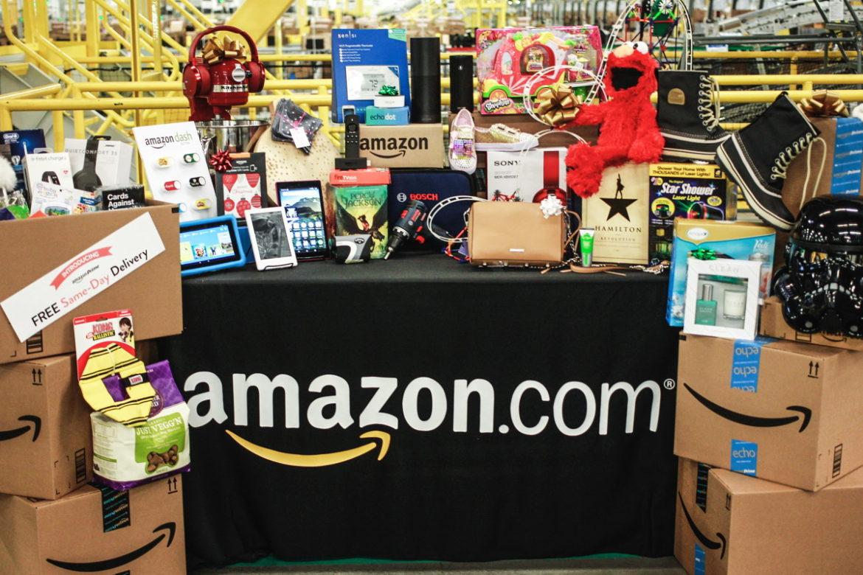 США, Walmart, Amazon