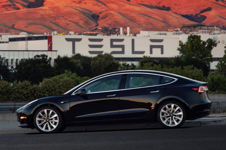 компания Tesla, аккумуляторы Tesla, Трипп