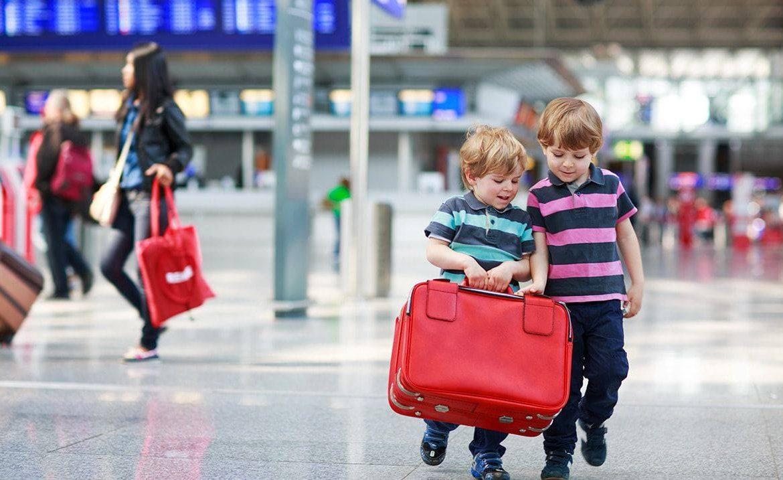 какие нужны документы для выезда ребенка, нужна ли доверенность на ребенка за границу, выезд ребенка из Украины, нужно ли разрешение второго родителя на выезд ребенка