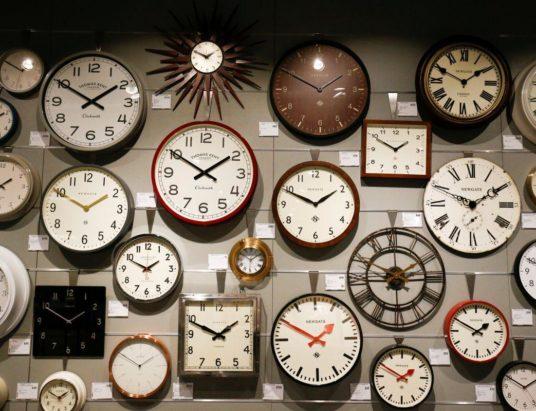 почему переводят часы, перевод часов в России, перевод часов в Украине, переход на зимнее время в Европе, переход на зимнее время 2018