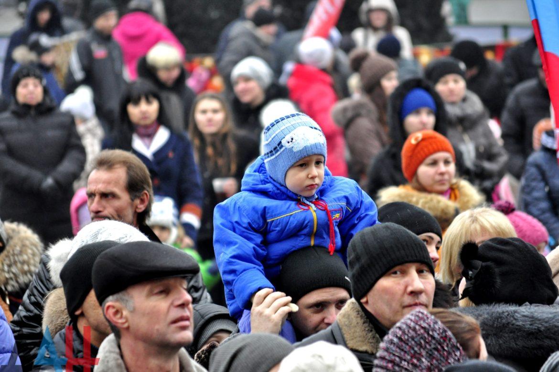 демографическая ситуация в России 2018, сколько людей проживают в России, сколько людей в Беларуси, какое население в Украине, демографический кризис в России