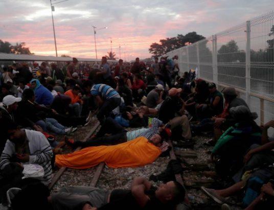 мигранты в США, караван мигрантов, граница Мексики и США, беженцы из Гондураса, мигранты из Гватемалы