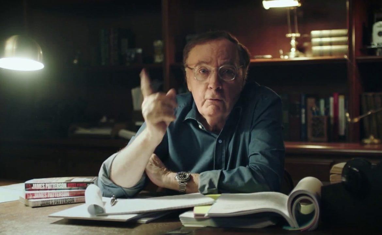 Джеймс Паттерсон вновь возглавил список лучших писателей Forbes
