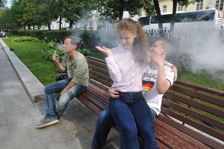 smoking_people