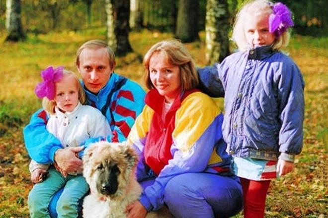Путин с семьей