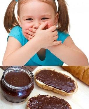 Ребенок и шоколадная паста