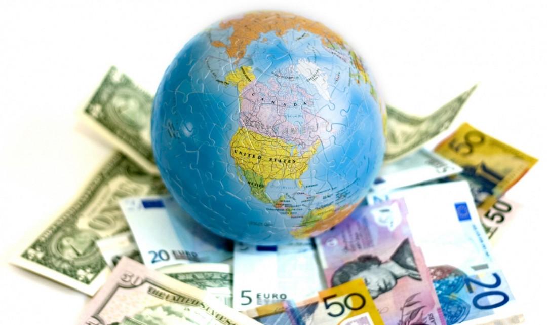деньги и глобус