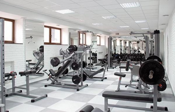 пустой спортзал