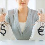 В какой валюте хранить деньги в 2020 году в России