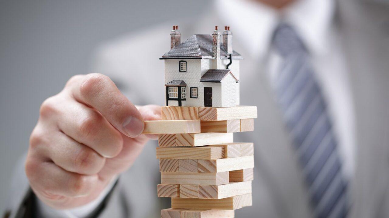 строить домик