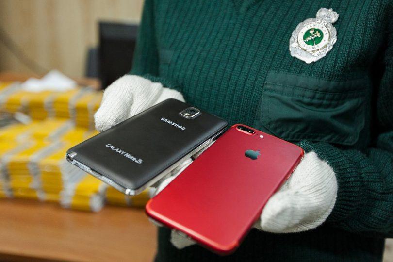 смартфоны самсунг и айфон