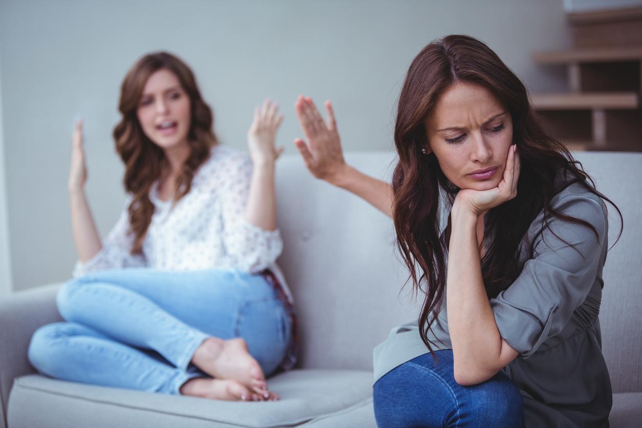 ссора между подругами