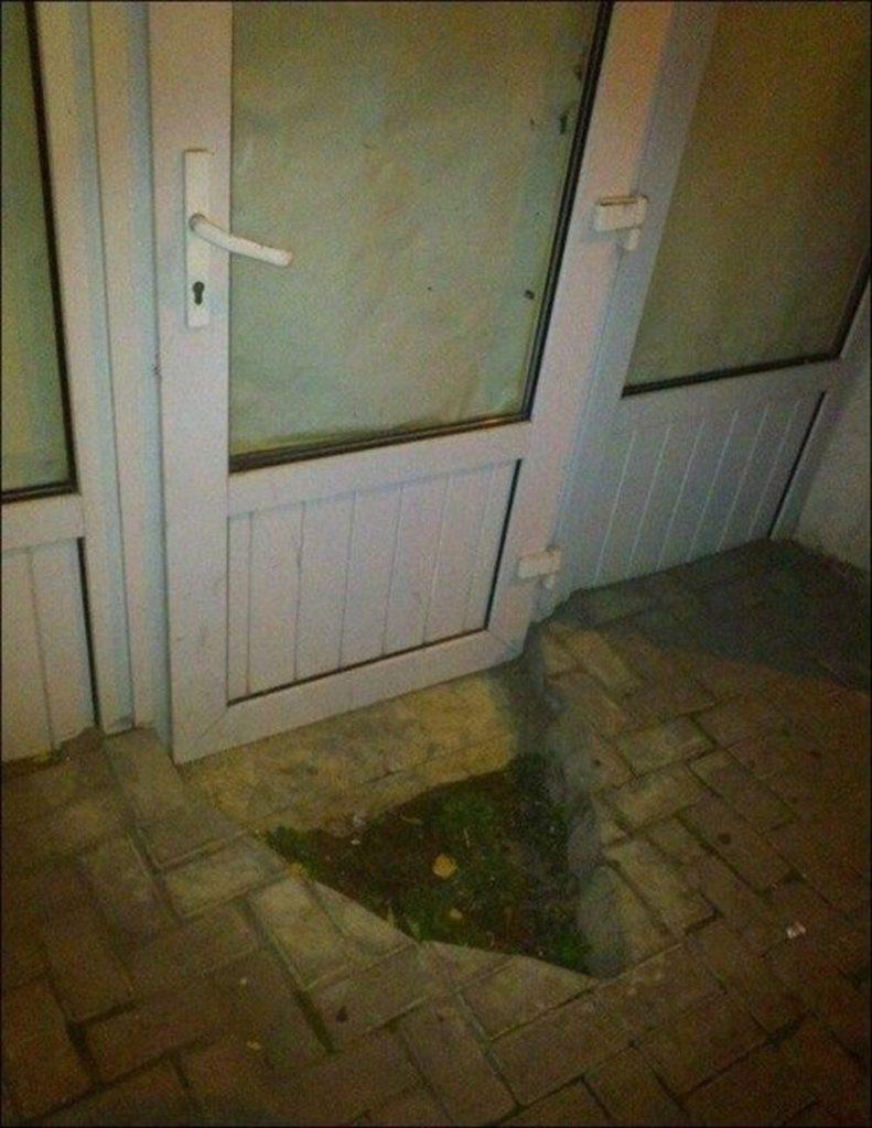 Креативная установка дверей