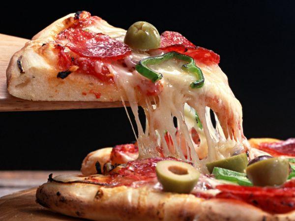 пицца сыр тянется