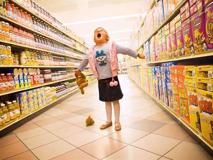 ребенок истерика в магазине