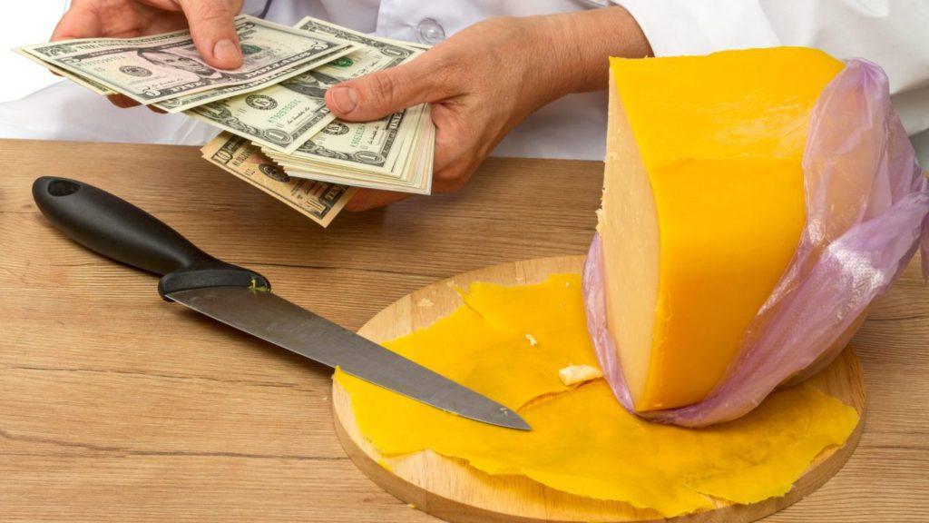 сыр и деньги