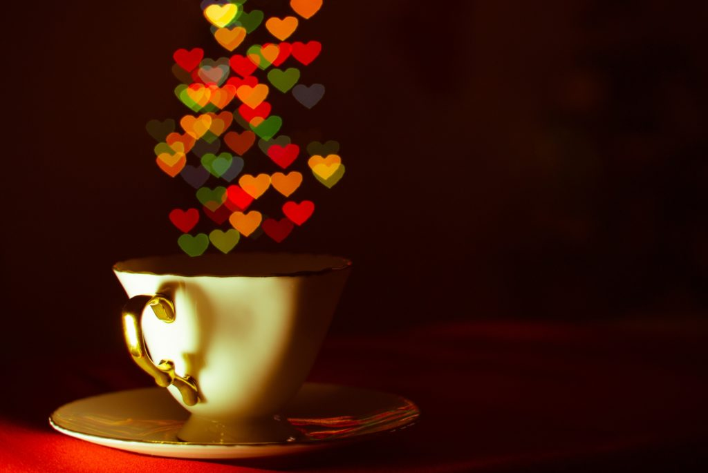 чашка с сердечками