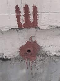 Трубка из стены многоэтажки