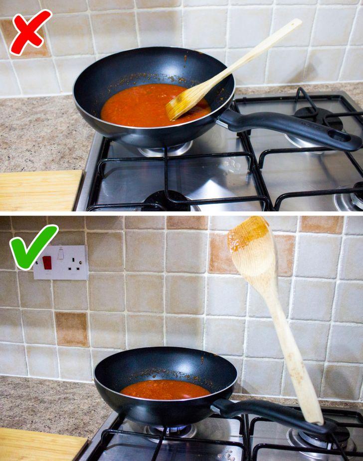 отверстие для лопатки на ручке от сковороды