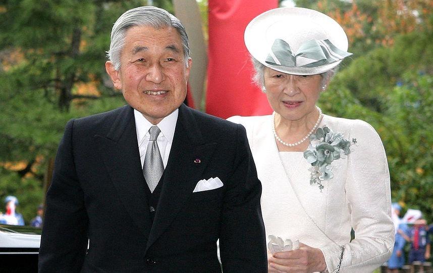 Японский император и Митико Седа