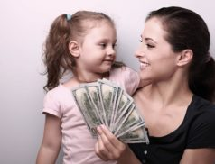 Мама, ребенок и деньги