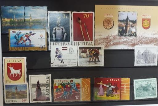 Прибалтийские марки в альбоме
